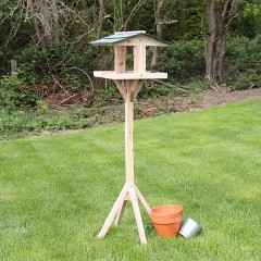 Nature's Market Traditional Wooden Bird Table